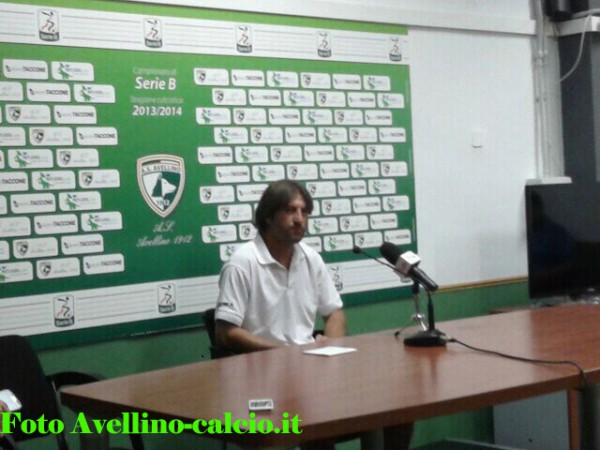 Rastelli in conferenza stampa